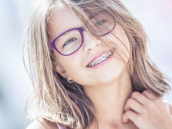 Kieferorthopädische Behandlung von Kindern und Jugendlichen